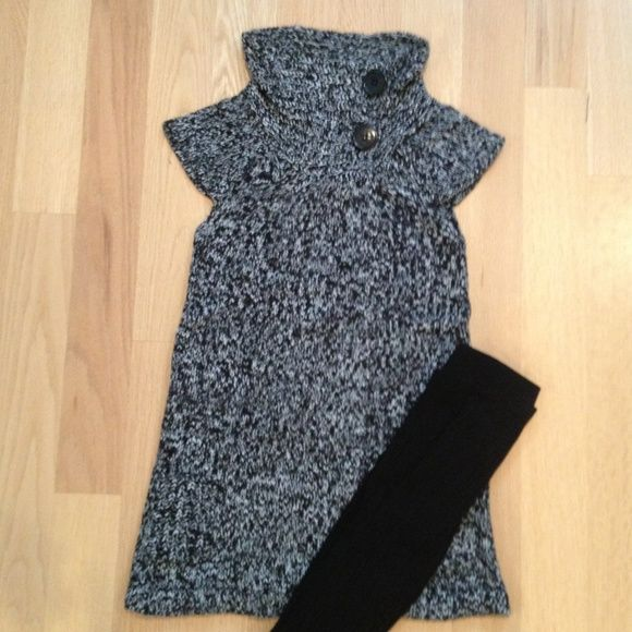 Mandee's Sweater Dress/Tunic in Small Mandee's Black & White Knit Sweater Dress/Tunic Cap Sleeve in Women's Small with Black Button detail and pockets  (.tights not included) price negotiable mandee Dresses