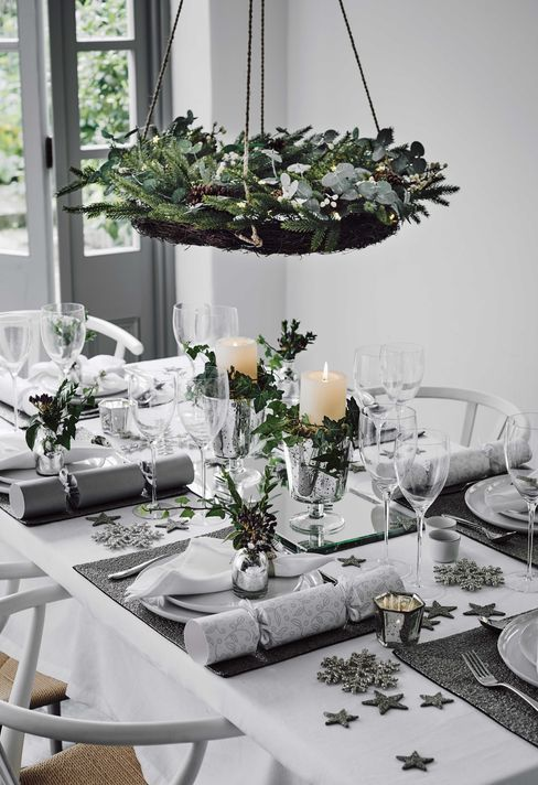 Haute Christmas Scandinavian Style Christmas Interiors Christmas Table Christmas Dinner Table