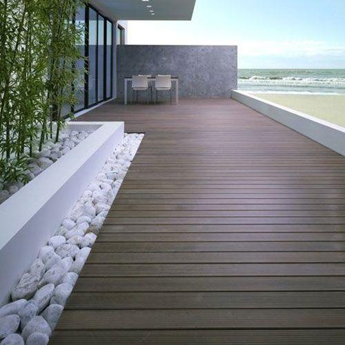 Suelos para terrazas las claves para mejorar tu rinc n especial living in luxury balcony - Pisos en la playa baratos ...