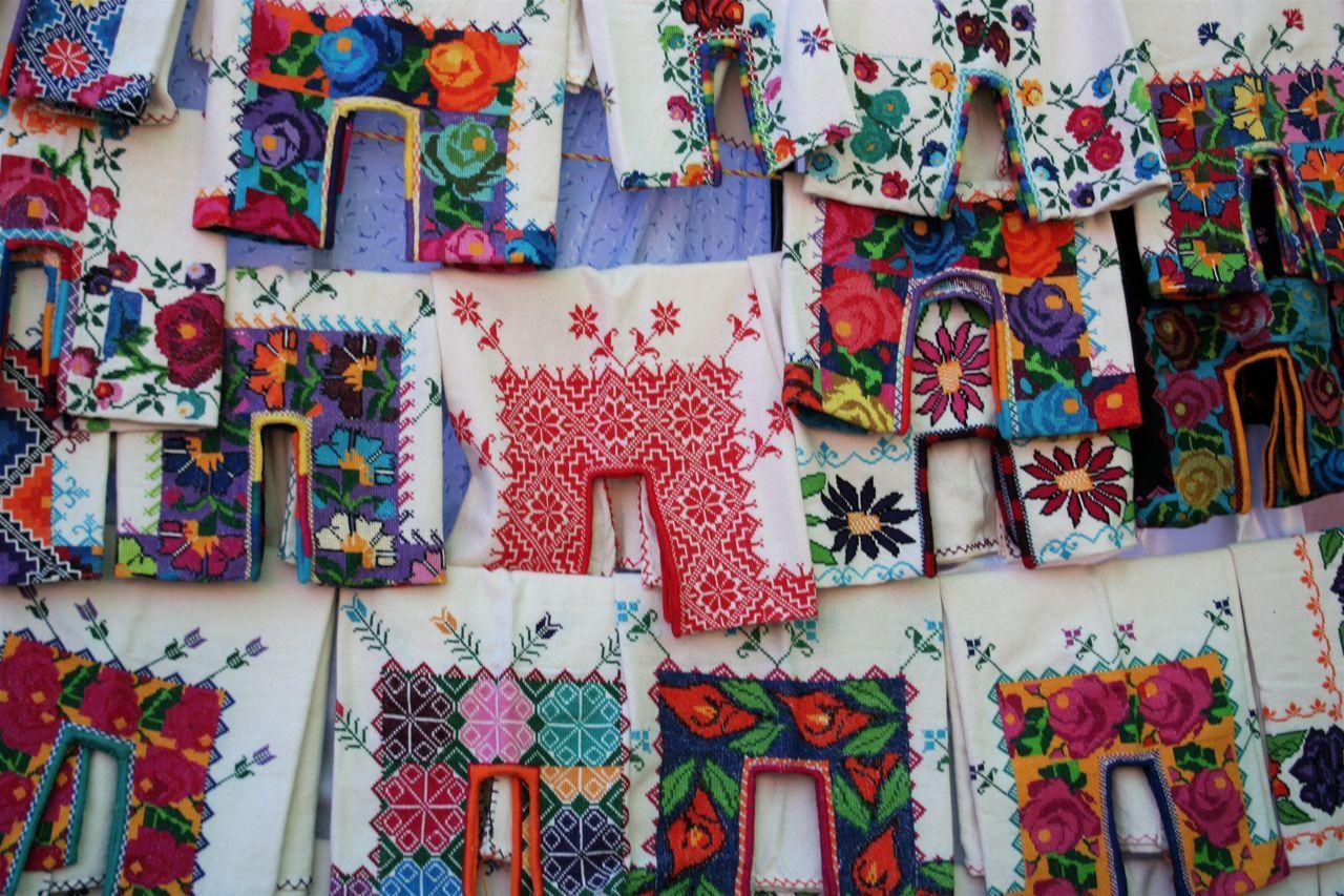 Blusas de Michoacán Colours and textures inspirations Pinterest