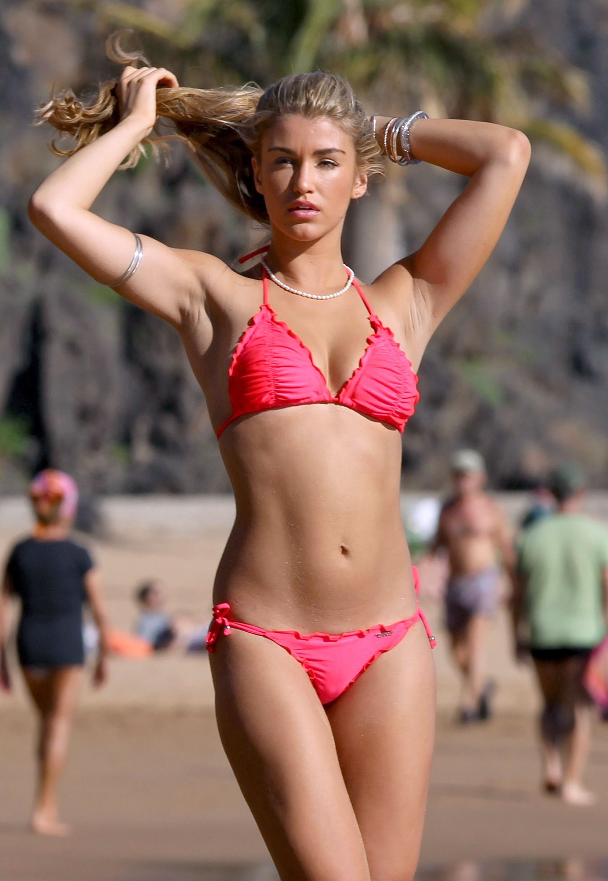 Amy Willerton Tits how to get ready for the summer season - newsbreakouts