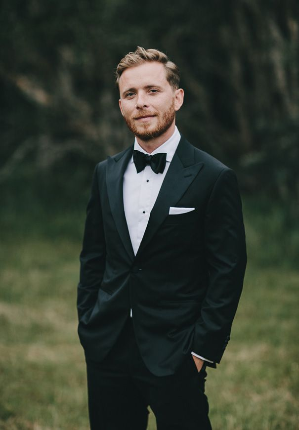 casual elegance, this groom's got style | image via: hello may