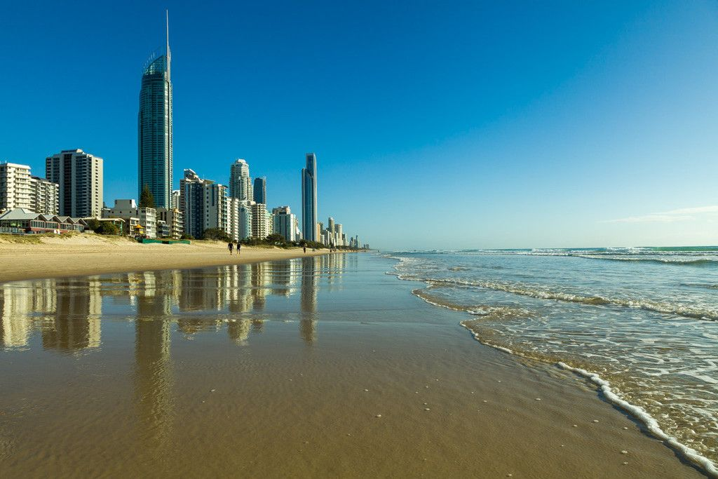 Have you ever enjoyed the soft sounds of the waves rolling in? No? Early in the morning beach walks can be therapeutic and a great way to start the day. #goldcoast #Nomadic #Traveller