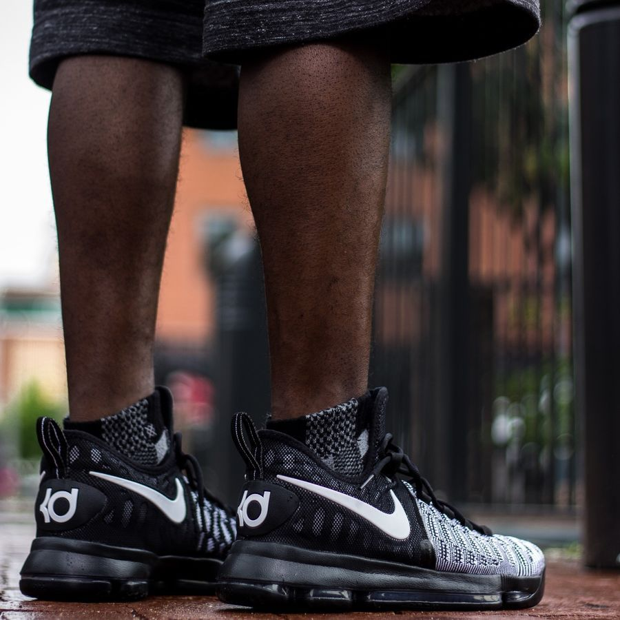 finest selection 2f1f9 4112e Nike Zoom KD 9 Black White