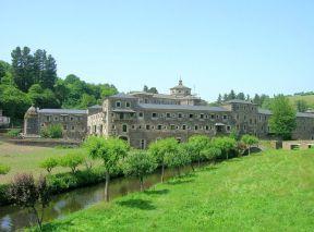 Monasterio De San Julian De Samos O Courel Samos Monasterios Viajes