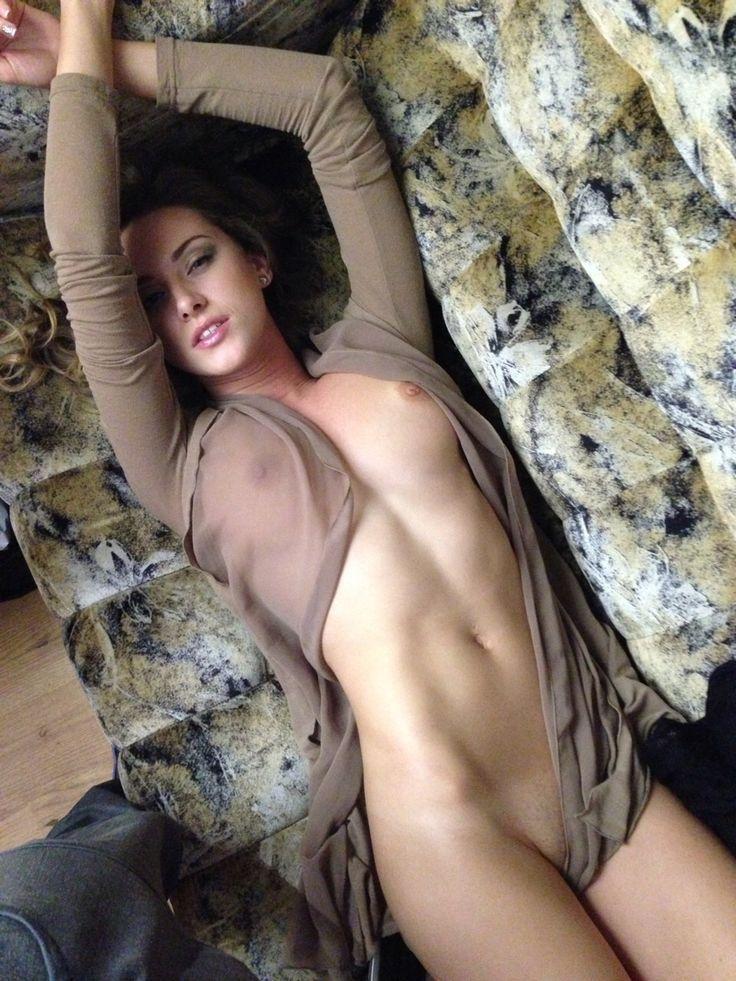 Sexy Brüste werden ausgesaugt