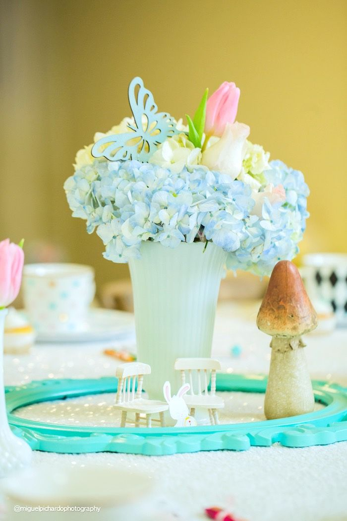 Floral centerpiece from a Pastel Glam Alice