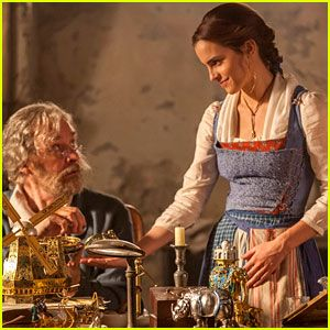 new-beauty-and-the-beast-movie-images-emma-watson2.jpg (300×300)