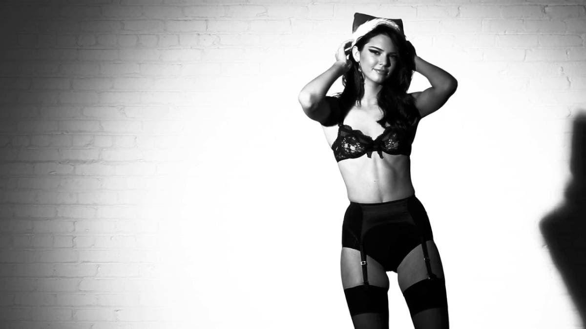 Kendall-Jenner-Love-Christmas-Photoshoot | Kendall Jenner ...