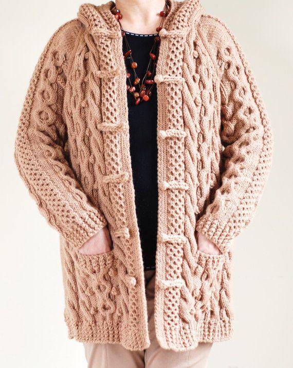 Punto de Cable grueso Aran pescador irlandés Sweater capa | Tejidos ...