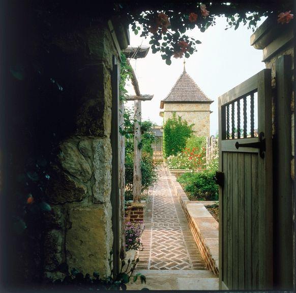 Lovely Gateway