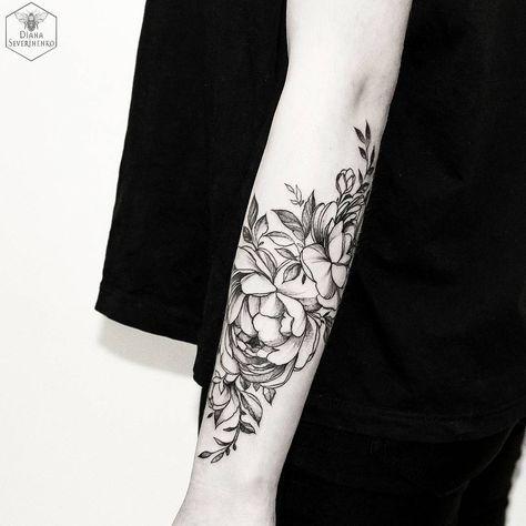 simple, delicate, but contrasted, detailed floral outline design Diana Severinenko (@dianaseverinenko) on Instagram