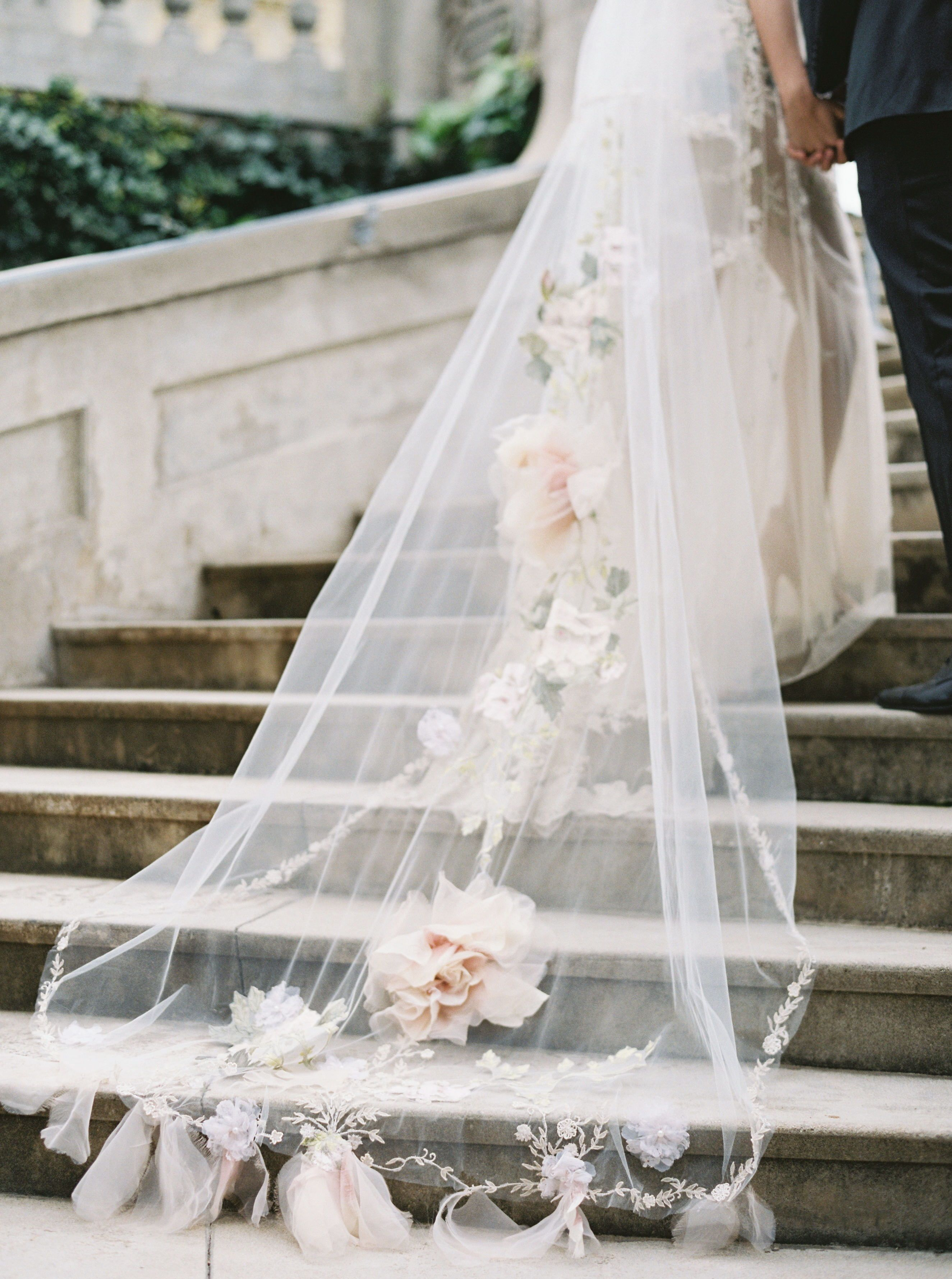 Nontraditional Wedding Veils For The Fashion Forward Bride Nontraditional Wedding Spring Wedding Inspiration Wedding [ 3558 x 2649 Pixel ]