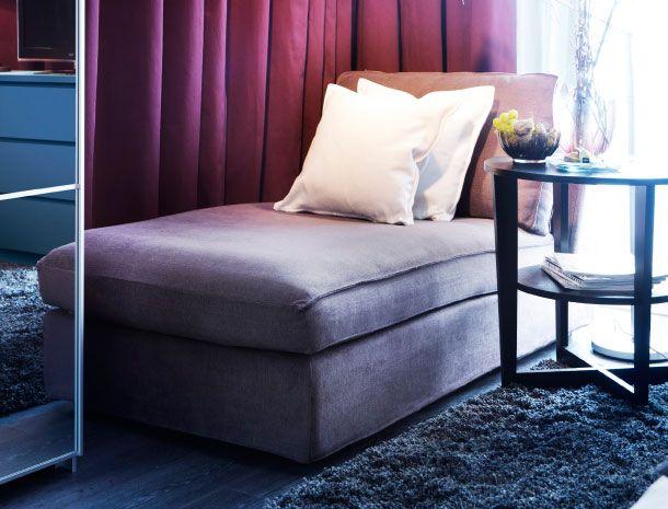 ikea kivik r camiere mit bezug tullinge in graubraun mit vejmon beistelltisch in schwarzbraun. Black Bedroom Furniture Sets. Home Design Ideas