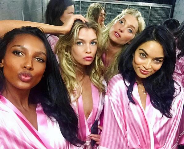 Werft einen Blick hinter die Kulissen der Victoria's Secret Fashion Show  Jasmine Tookes, Stella Maxwell, Elsa Hosk und Shanina Shaik