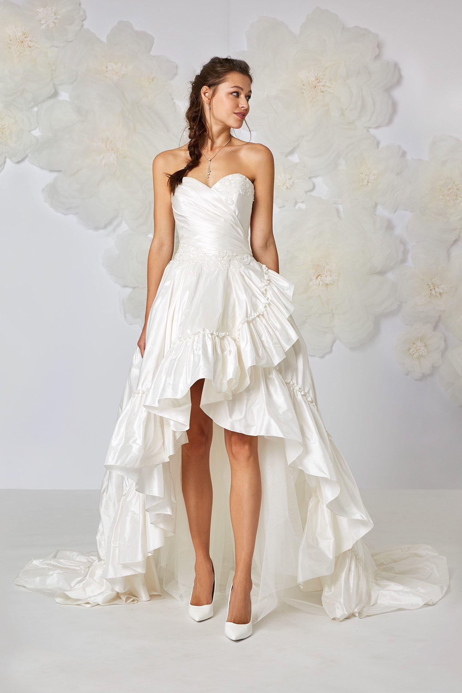 b75ab712633 Robe de mariée courte devant longue derrière BRIGITTE Atelier Emé ...