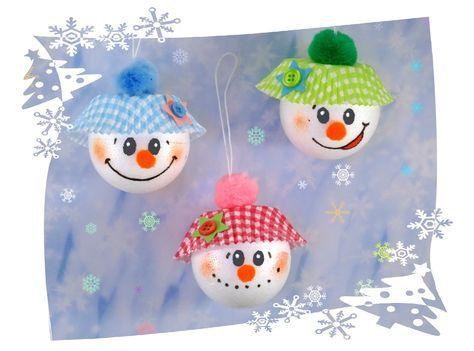baumkugeln schneemann basteln mit kindern weihnachten. Black Bedroom Furniture Sets. Home Design Ideas