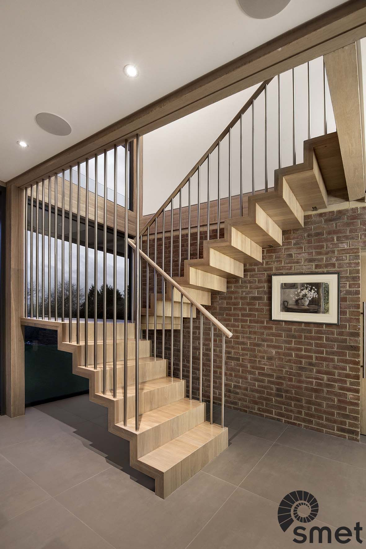 Best This Modern Staircase Has Self Supporting Treads And 400 x 300