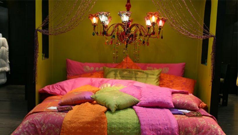 """""""Pour ma chambre, j'ai voulu une déco inspirée du style bollywood"""" : Visitez"""
