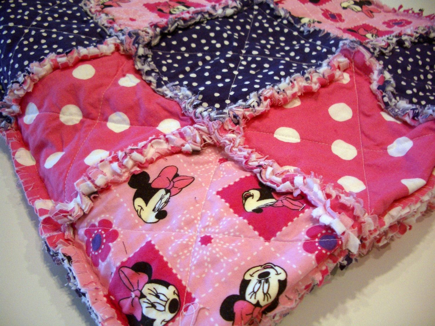 Disney Minnie Mouse Rag Quilt Disney Blankets And Mice