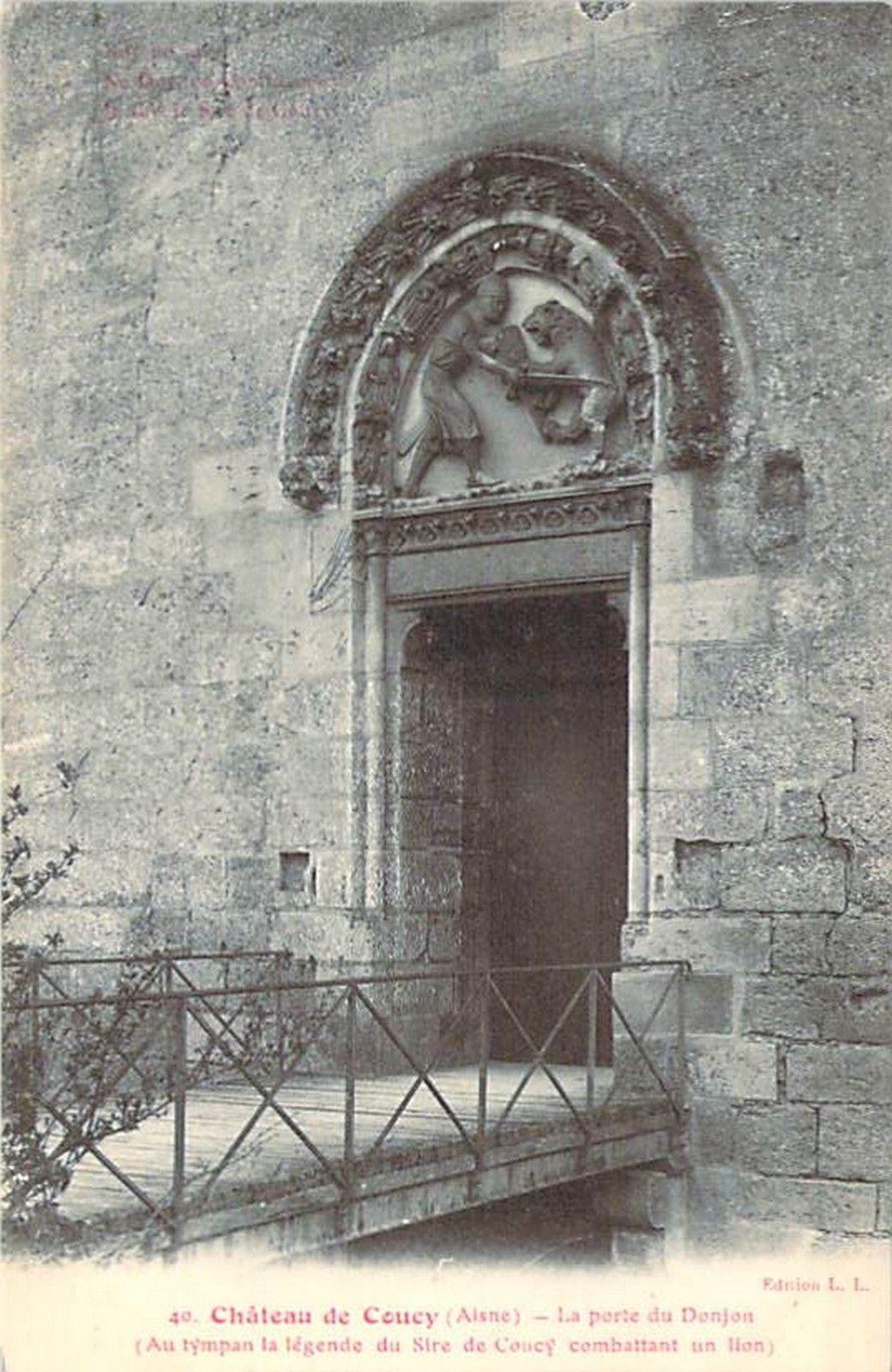 Coucy Le Chateau Auffrique Chateau Coucy Porte Du Donjon Avant