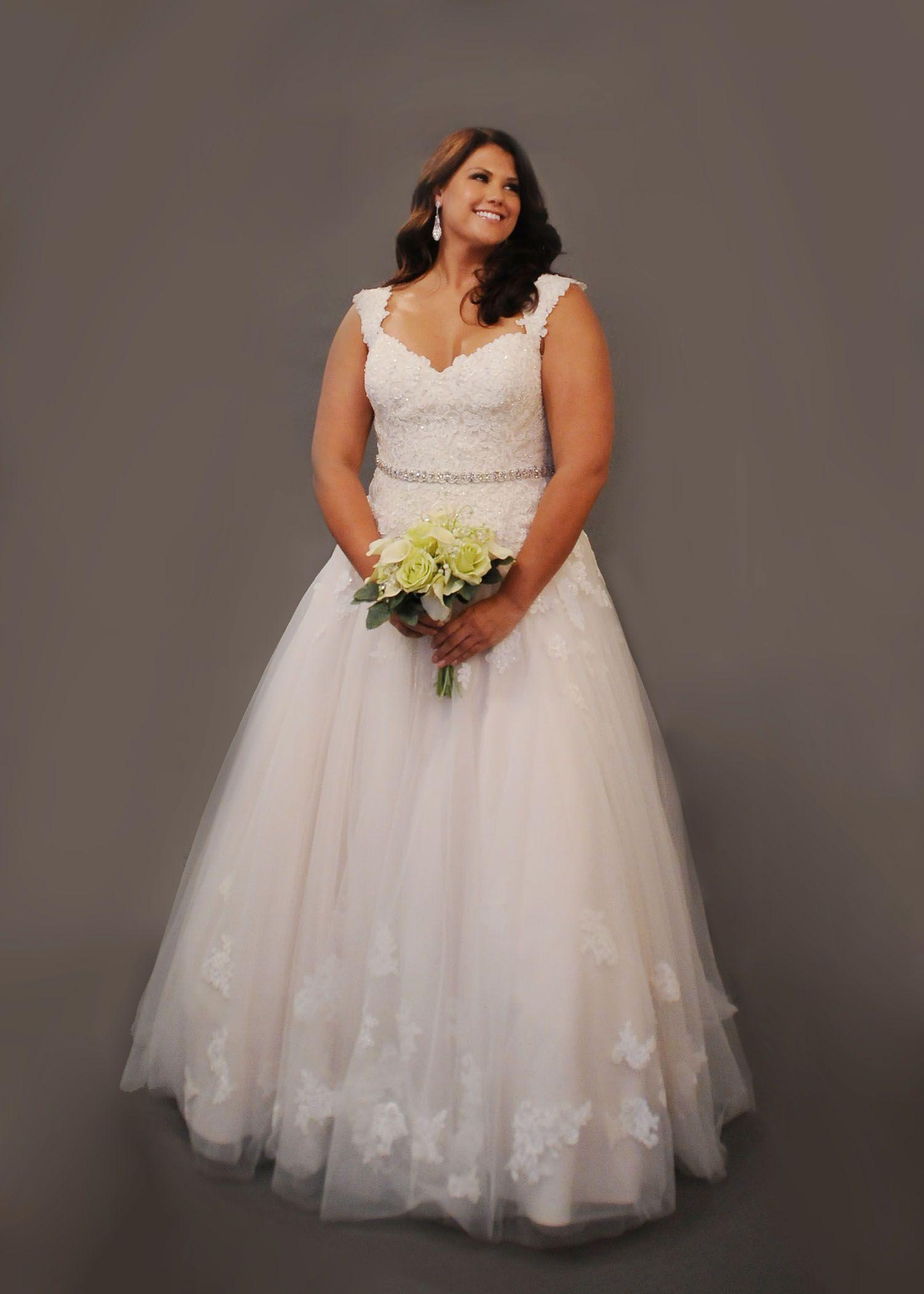 Curvy Bride, Plus Size Wedding Dress, Plus Size Fashion, Curvy ...