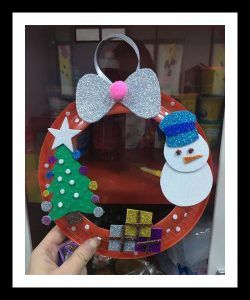 Free Christmas Wreath Craft Idea For Kindergarten And Toddler Make These Wreaths With Your Family To Live The Spirit