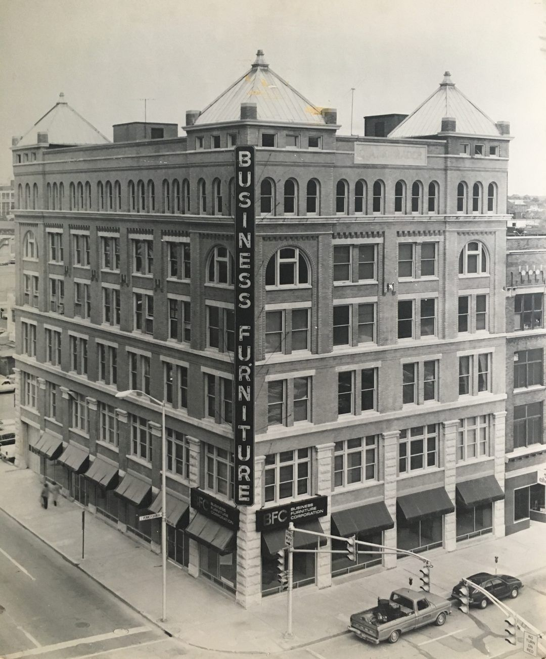 Then Now Schrader Building 101 S Pennsylvania Street Historic Indianapolis All Things Indianapolis History Building Indianapolis Street