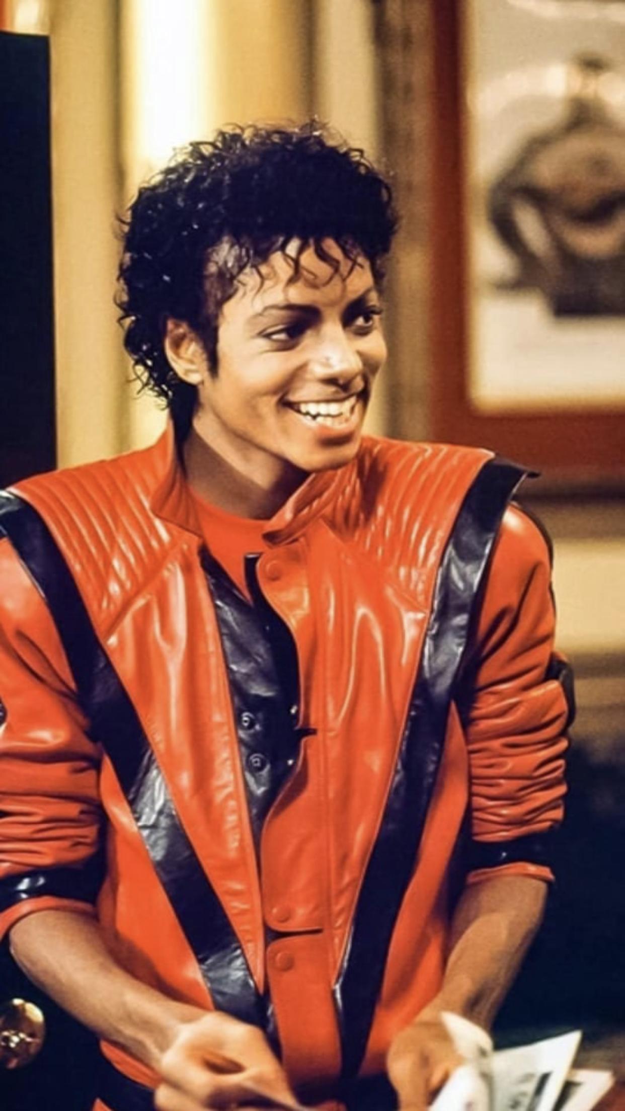 Pin By Fav On Michael Jackson Michael Jackson Thriller Michael Jackson Smile Michael Jackson Pics