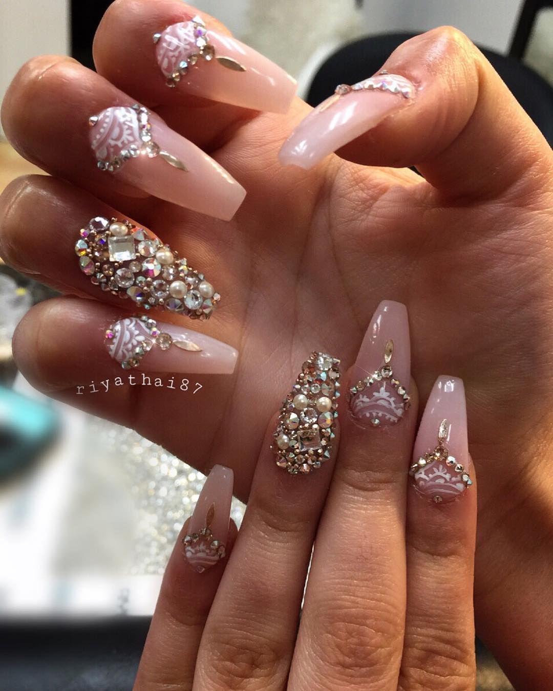The triangular rhinestone design is beautiful. | Nails | Pinterest ...