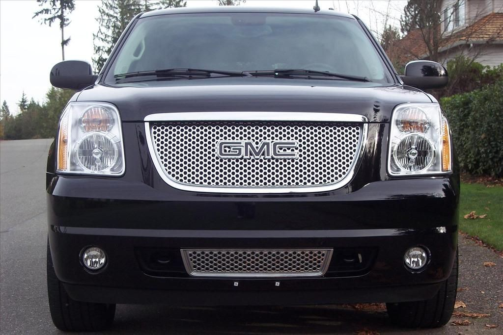 Black Gmc Emblem On Stock Denali Grille Gmc Trucks Gmc Yukon Gmc