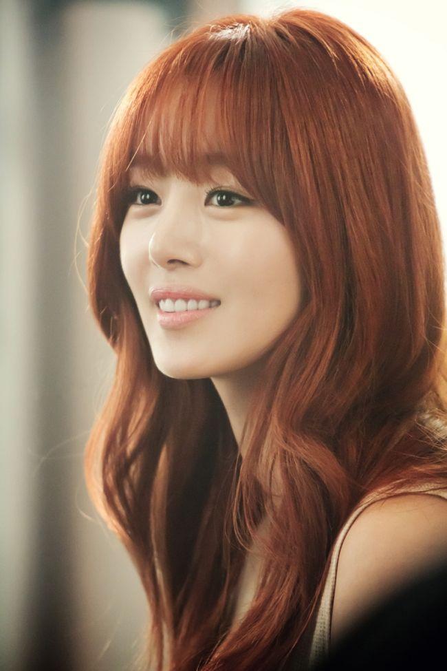 Daebak Awesome Korean Stars With See Through Bangs Hair Color Asian Korean Hair Color Asian Red Hair