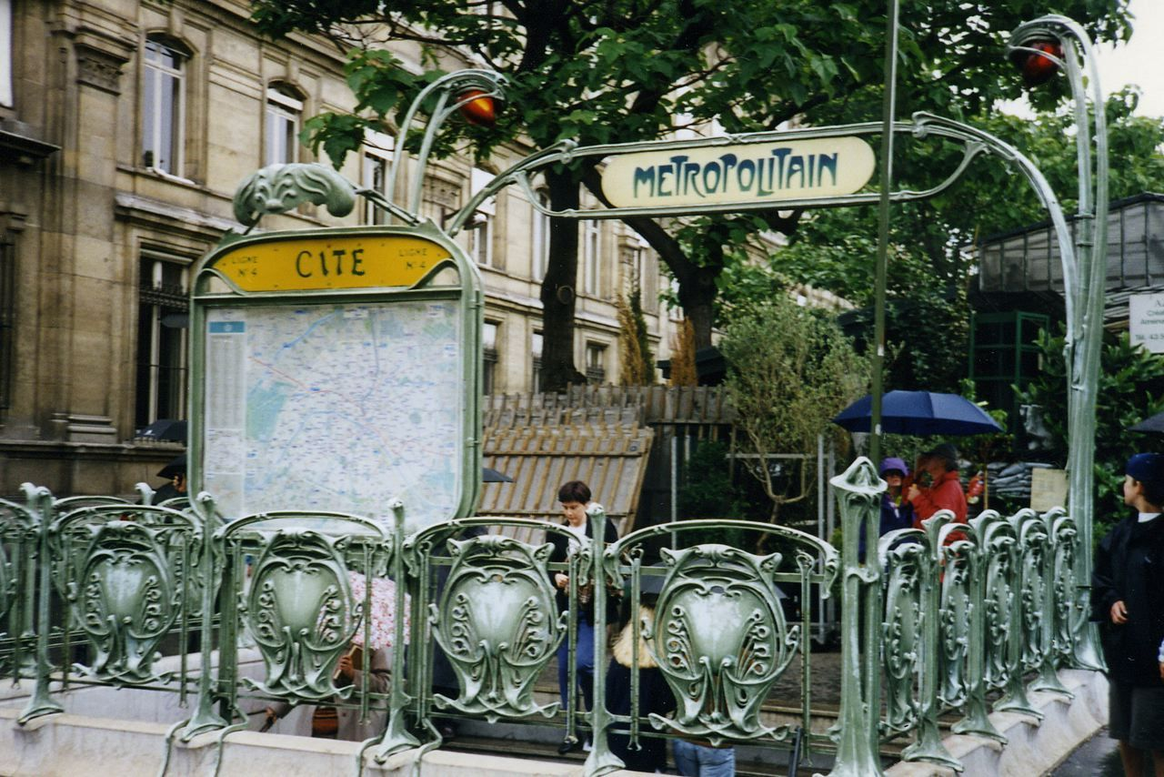 Paris metro entrance made in the Art nouveau style | Art Nouveau ...