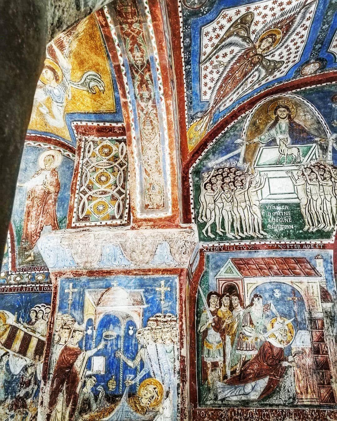 Piekna Katedra W Anagni W Regionie Lacjum Tymczasem W Podziemiach Kryje Sie Prawdziwy Skarb No Bo Jak To Inaczej Nazwac Lac Vintage World Maps Painting Art