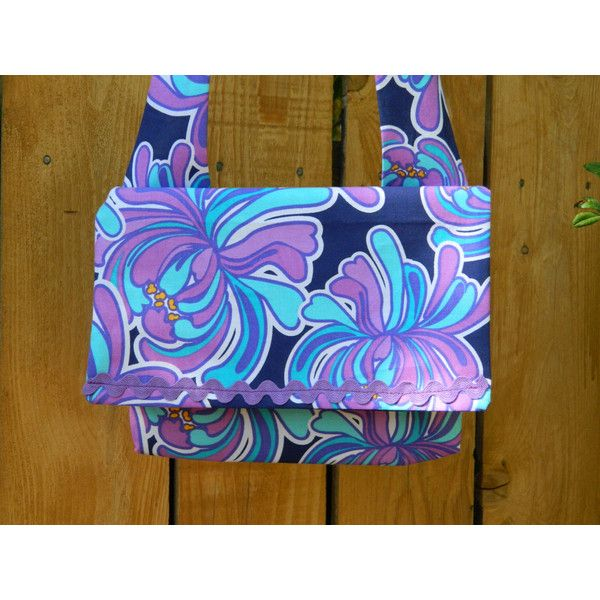 Blue Hawaii Purple Tropical Floral on Blue Envelope Flap Top Bag with... (€12) ❤ liked on Polyvore featuring bags, handbags, shoulder bags, envelope clutch, purple handbags, lightweight shoulder bag, envelope clutch bags and shoulder strap handbags
