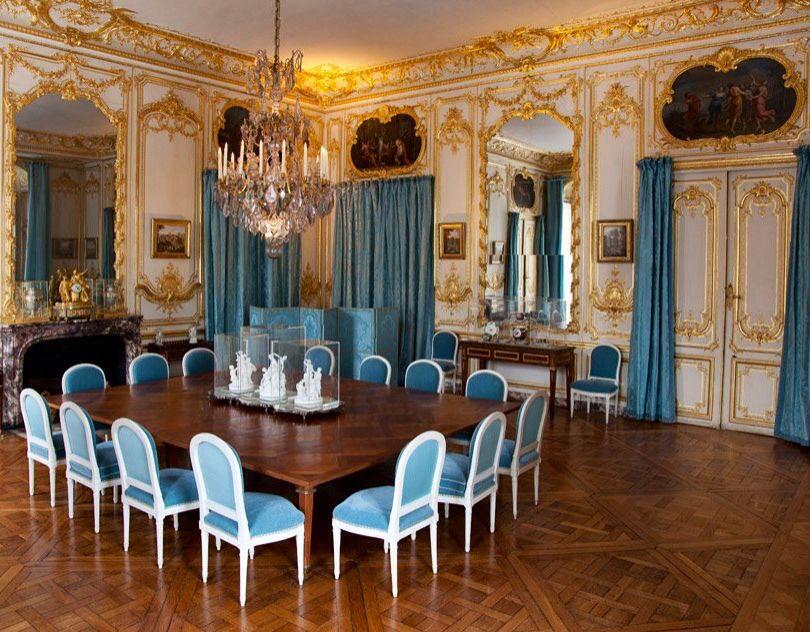 The Porcelain diningroom Chateau de Versailles Pinterest - salle a manger louis