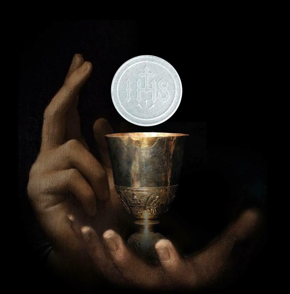 Pin by Cesar Valencia Villarreal on Holy Eucharist & Adoration | Eucharist, Catholic wallpaper, Jesus