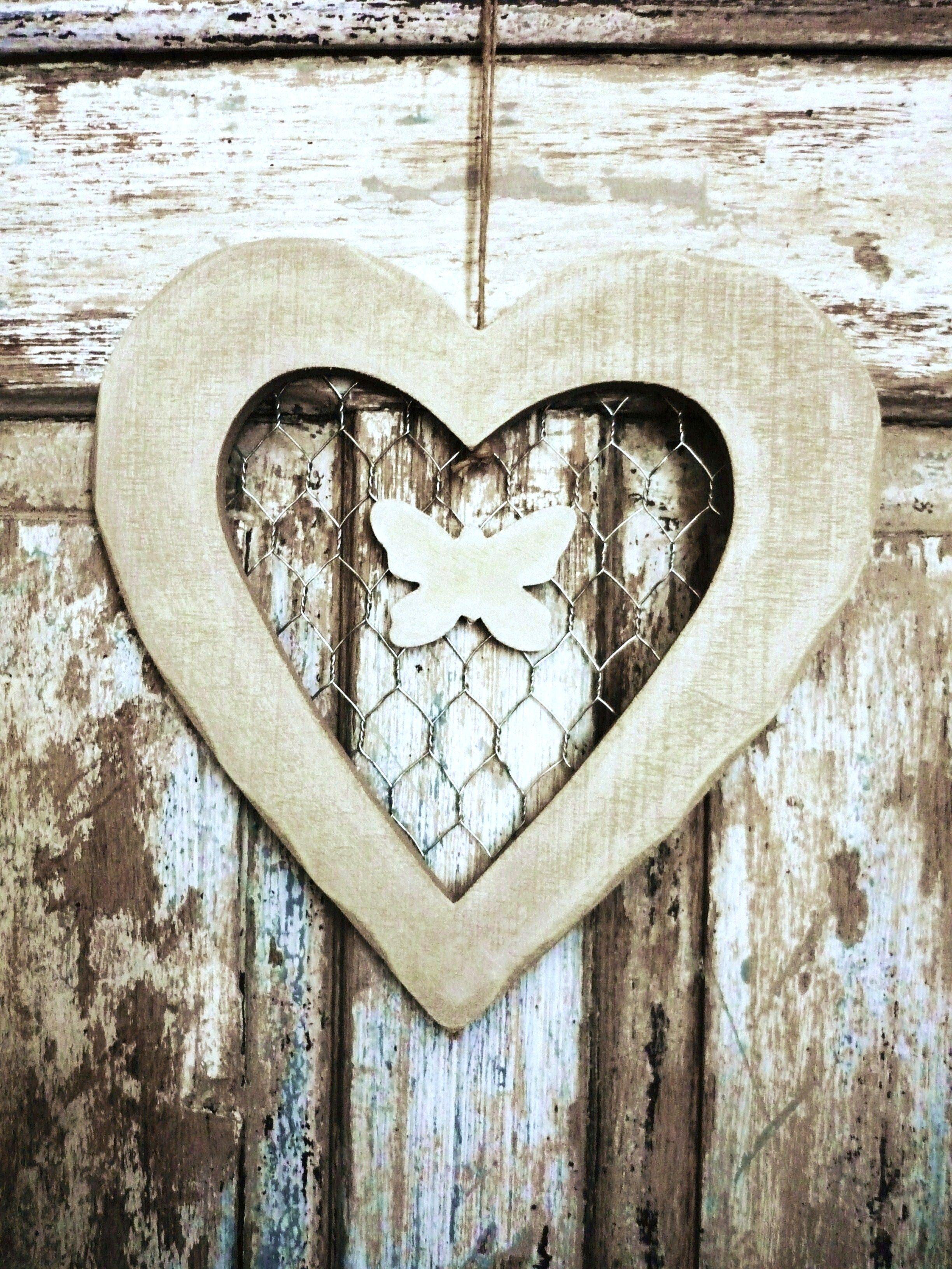 Chicken Wire Heart | Hearts♥ | Pinterest | Chicken wire, Chicken ...