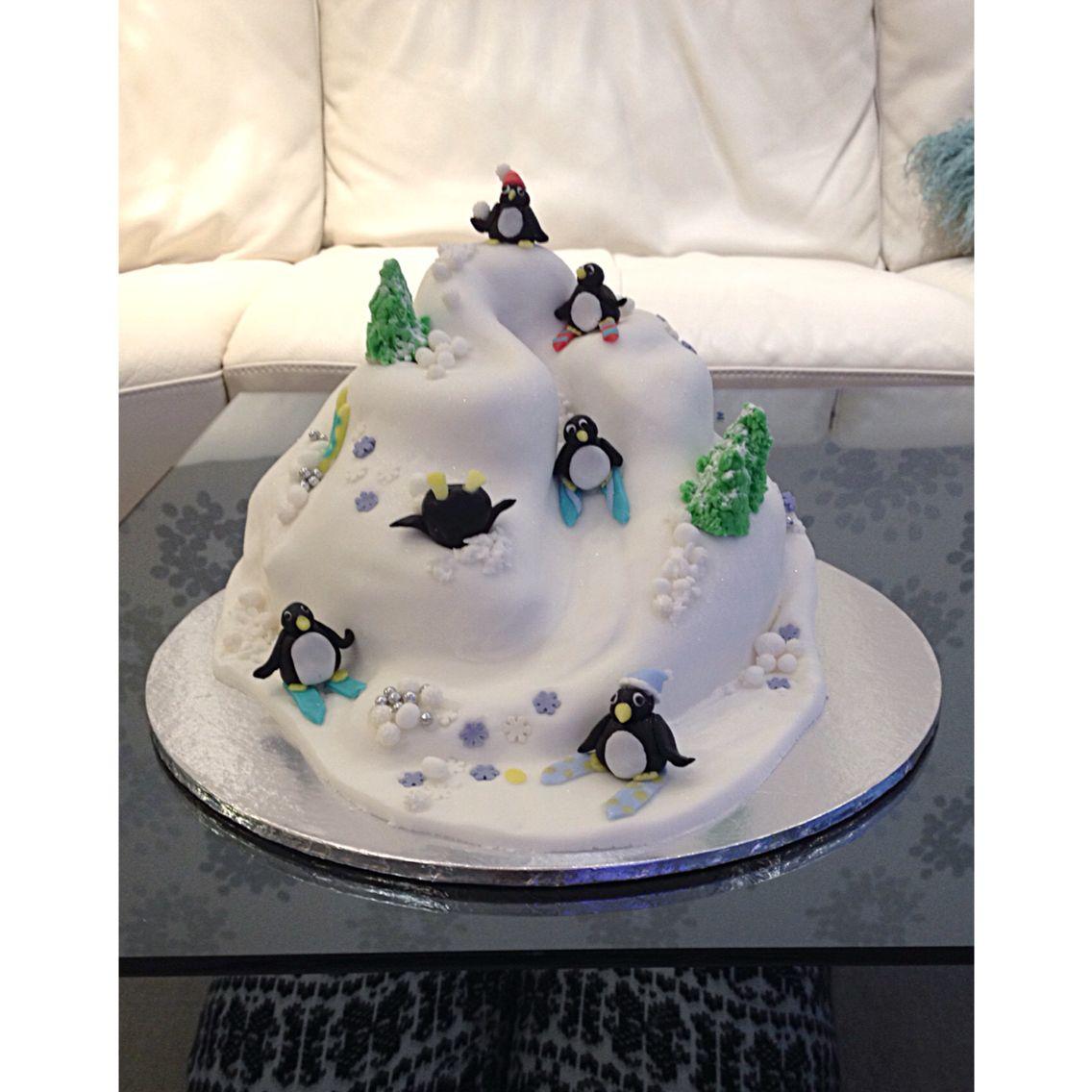 Iceberg Penguin Ski Slope Christmas Cake Cakes Pinterest Cake