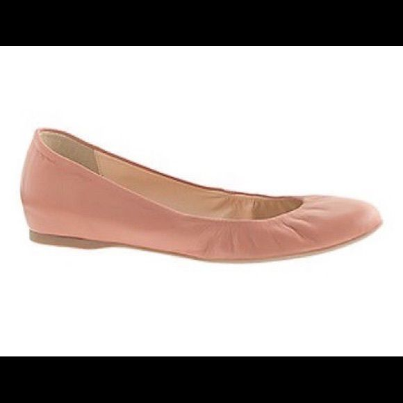 Jcrew cece leather flats Leather ballet flats from Jcrew. Color is nude/tan with hint of blush. Will go with everything! Elastic front. In great condition! Runs true to size. See last pic- tiny stains on side of left shoe. J. Crew Shoes Flats & Loafers
