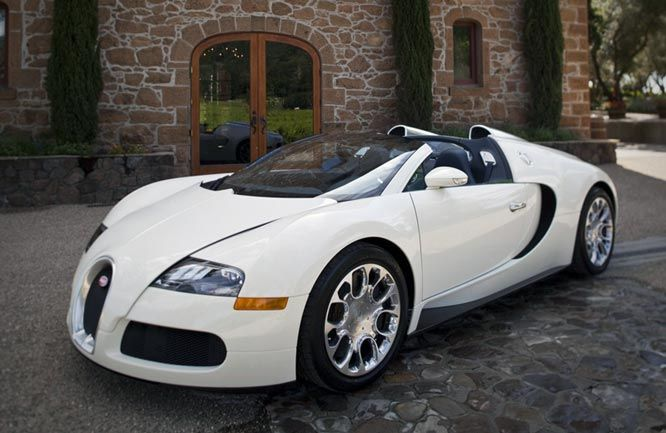 Bugatti Veyron Grand Sport - in white. I don't really like those two-color paint jobs on the Veyron.