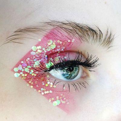 Glitzer Manie 25 Schönheits Looks in denen man glitzern kann – Makeup