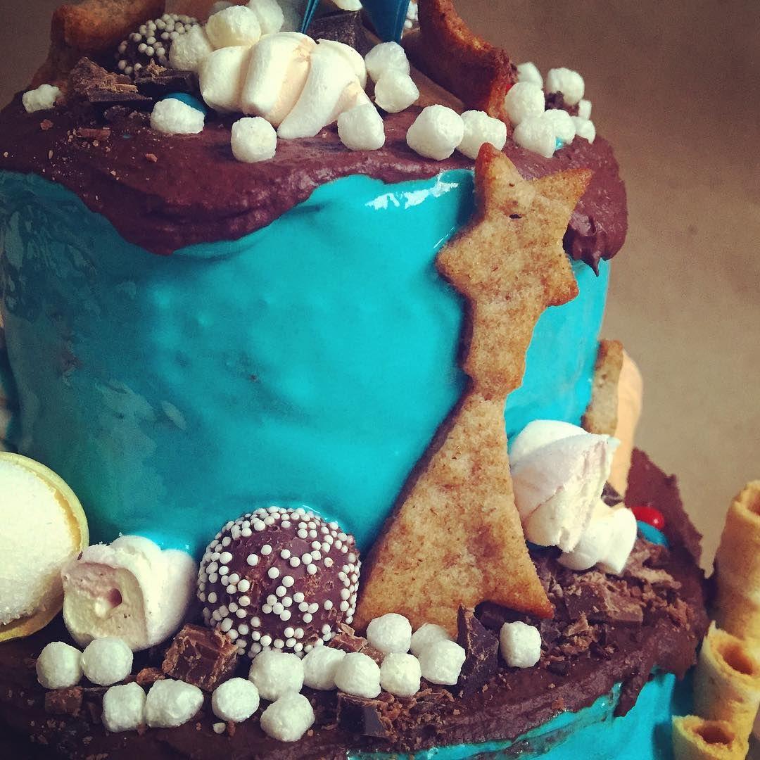#торт #тортназаказ #тортназаказмосква #синий #синийторт #голубой #зефир #шоколад #маршмеллоу #праздник #деньрождения #cake #birthdaycake #birthdayparty #party #chocolate #blue #marshmallow #cookies #stars #печенье #звезды #комета #candies #конфеты #крем