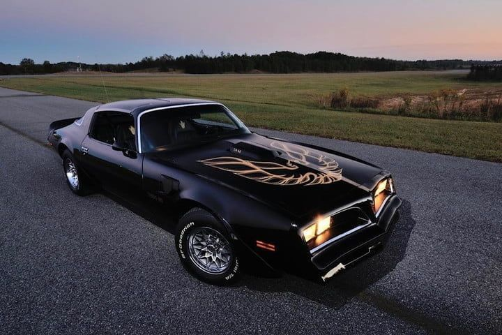Smoke the tires with the top American muscle cars