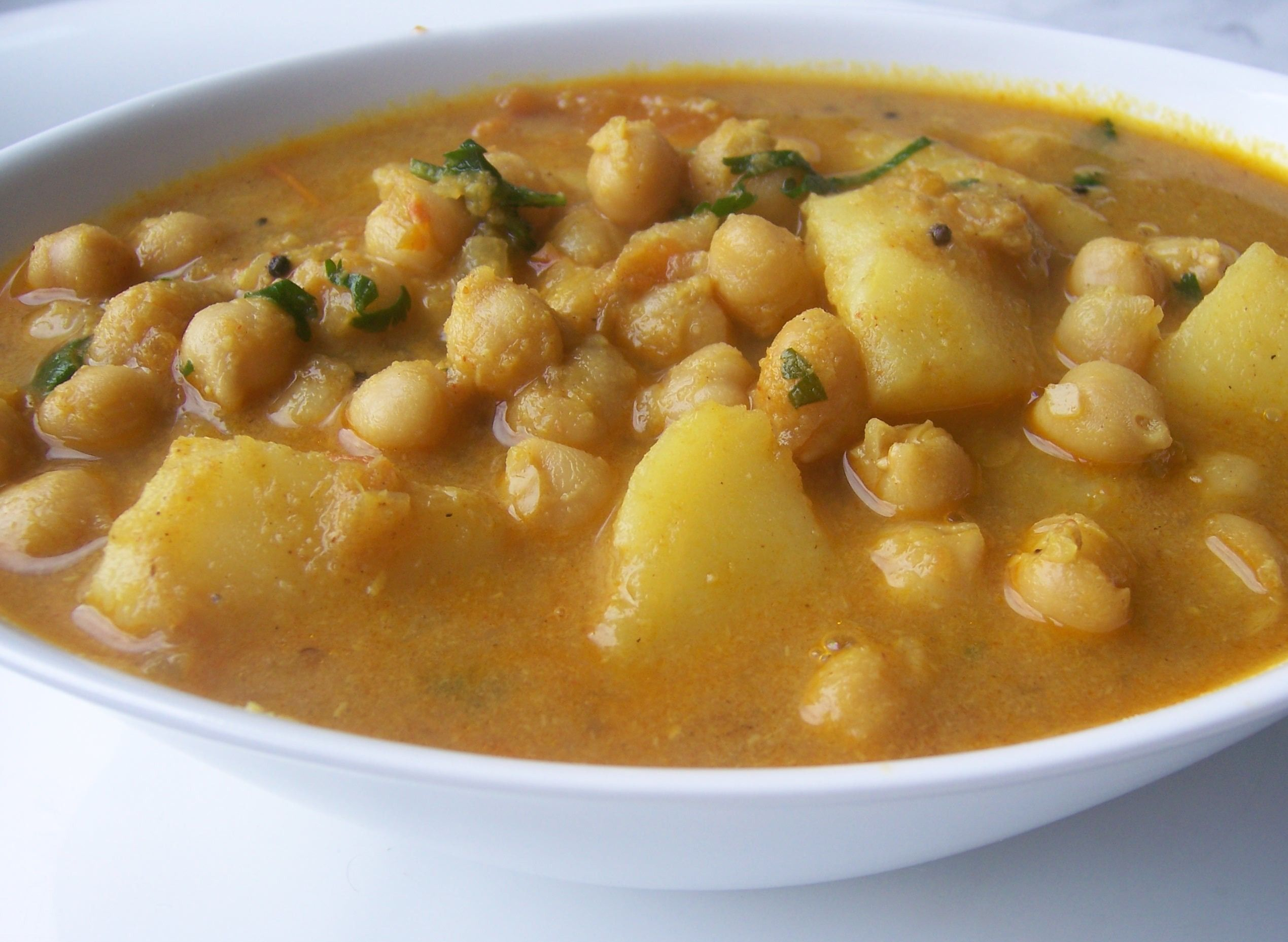Aloo chana curry recipe potato chickpeas curry indian food aloo chana curry recipe potato chickpeas curry chickpea curryindian food forumfinder Image collections