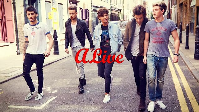 Day 03 A Song That Makes You Happy One Direction Wallpaper One Direction Pictures Harry Styles Photoshoot