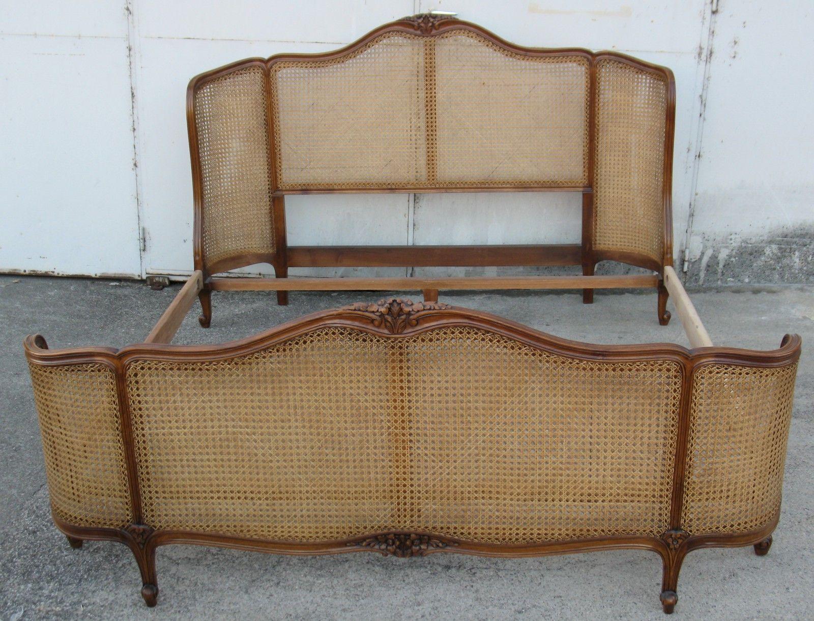 lit de style louis xv avec t te et pied corbeille cann. Black Bedroom Furniture Sets. Home Design Ideas