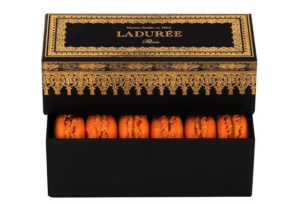 (via Halloween Macarons - Laduree Halloween Macarons) #halloweenmacarons (via Halloween Macarons - Laduree Halloween Macarons) #halloweenmacarons