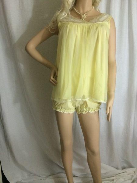 Vtg yellow chiffon nylon Babydoll nightie   bloomer panties Lisette Medium   Lisette 25e2dc33c