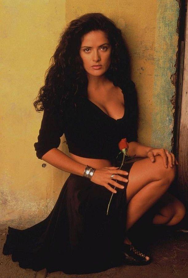 15 Beautiful Women Over The Age Of 40 Salma Hayek Young Salma Hayek Pictures Salma Hayek Photos